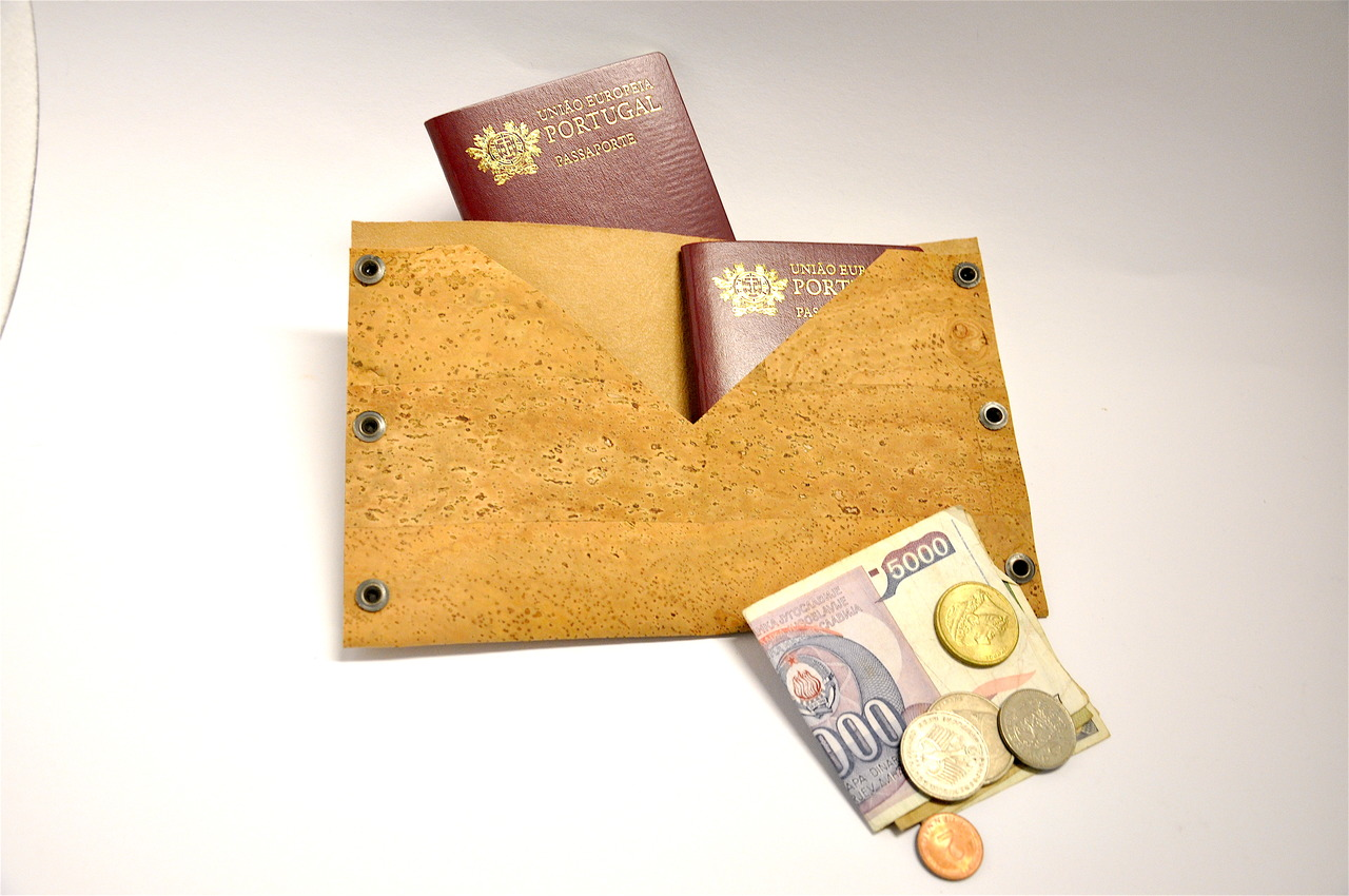 corporate gifts, passport caSe in natural cork fabric